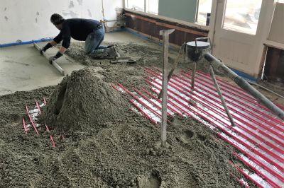 Storten van cementdekvloer